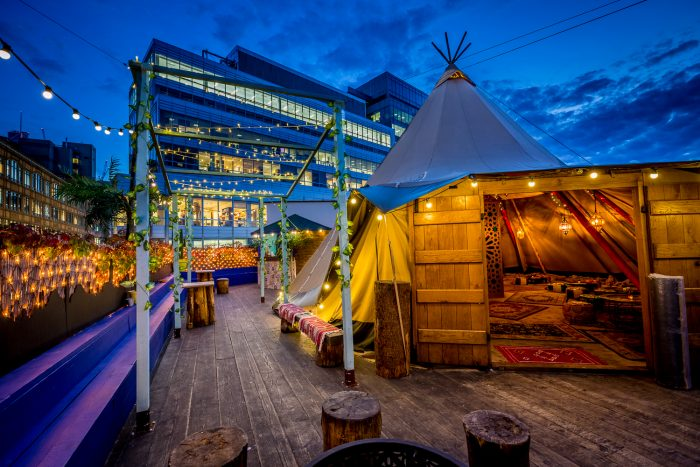 queen of hoxton rooftop bar london